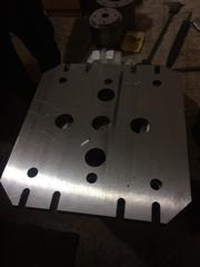 Обрабатываем пресс-формы и изделия из металла или пластика